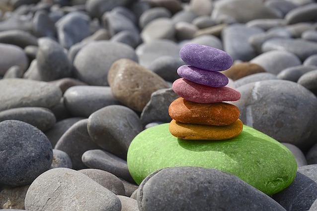 Farbige Steine: Innere Ordnung und Frieden