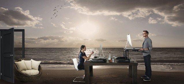Luzider Traum - Schreibtisch am Strand